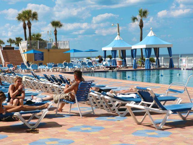 Plaza Resort & Spa. Pool