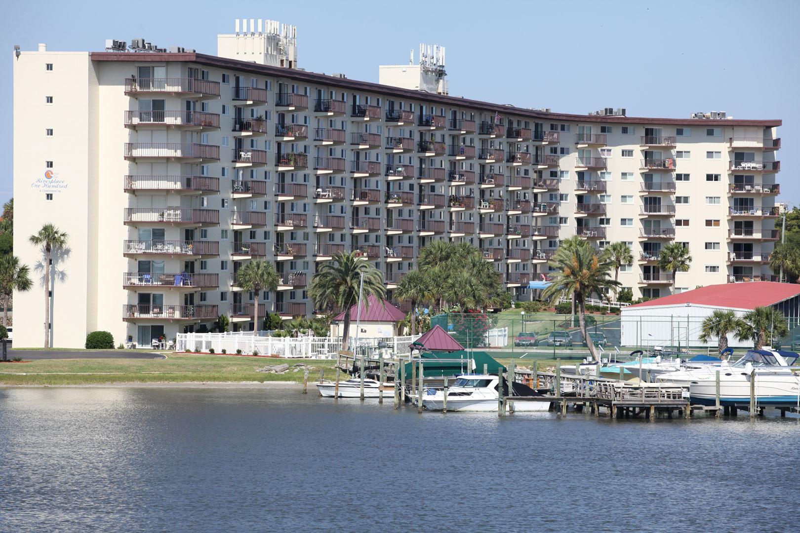 Daytona Condos Riverplace One Hundred In Daytona Beach